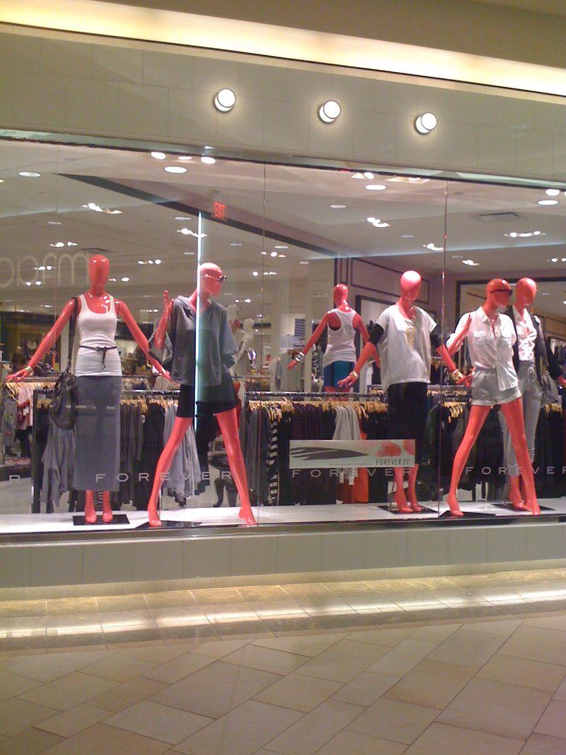 Pink-mannequins (3)